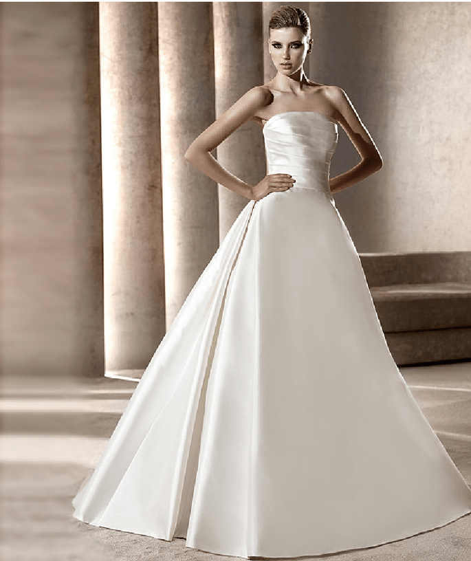 Bild 2 Brautkleid Modell Iman Kollektion Manuel Mota Pronovias