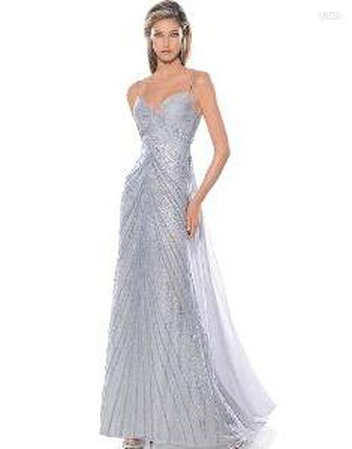 Pronovias Cóctel 2010 - Aneto, vestido largo plateado con bordados en pedrería, escote corazón