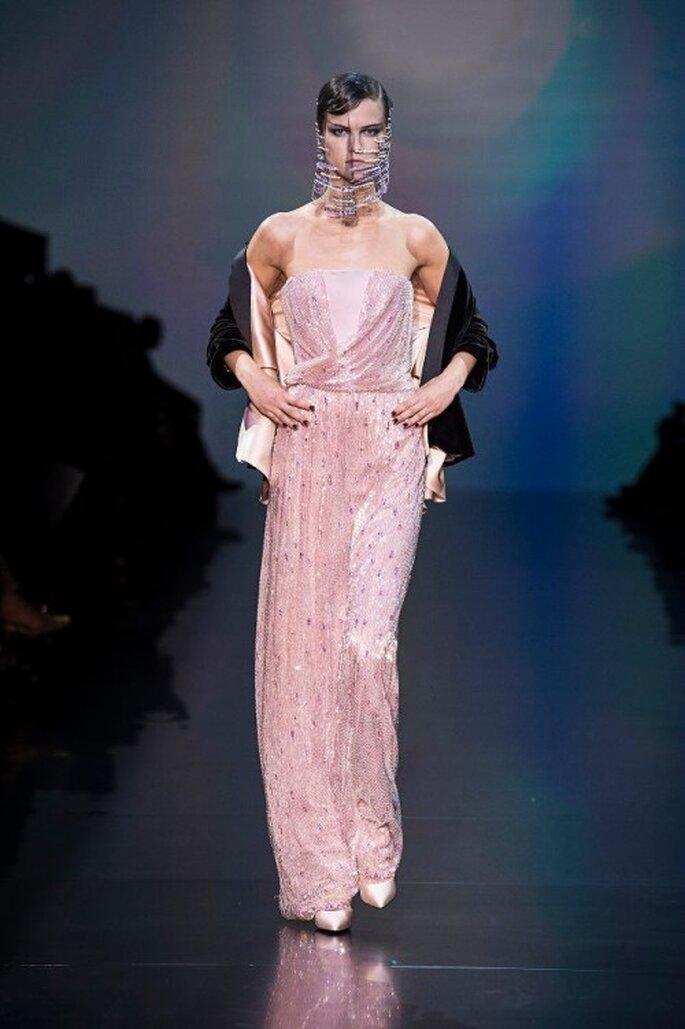 Maxi-Kleider sind das perfekte Outfit für Hochzeitsgäste – Foto: Armani via facebook