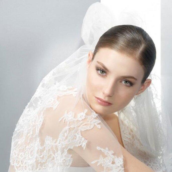 Elegante velo de novia 2013 con bordados inspiración floral - Foto Jesús Peiró Facebook