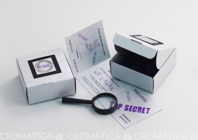 """Invitación de boda """"Top Secret"""", diseño de Organiza Regalos"""