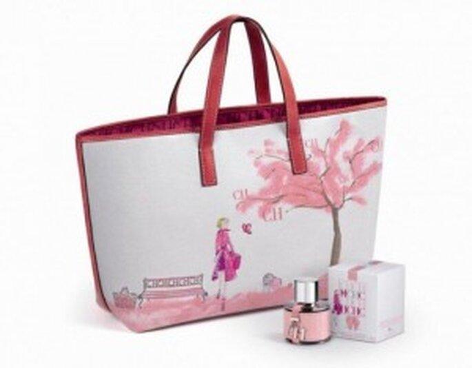 Perfume y bolso de Carolina Herrera