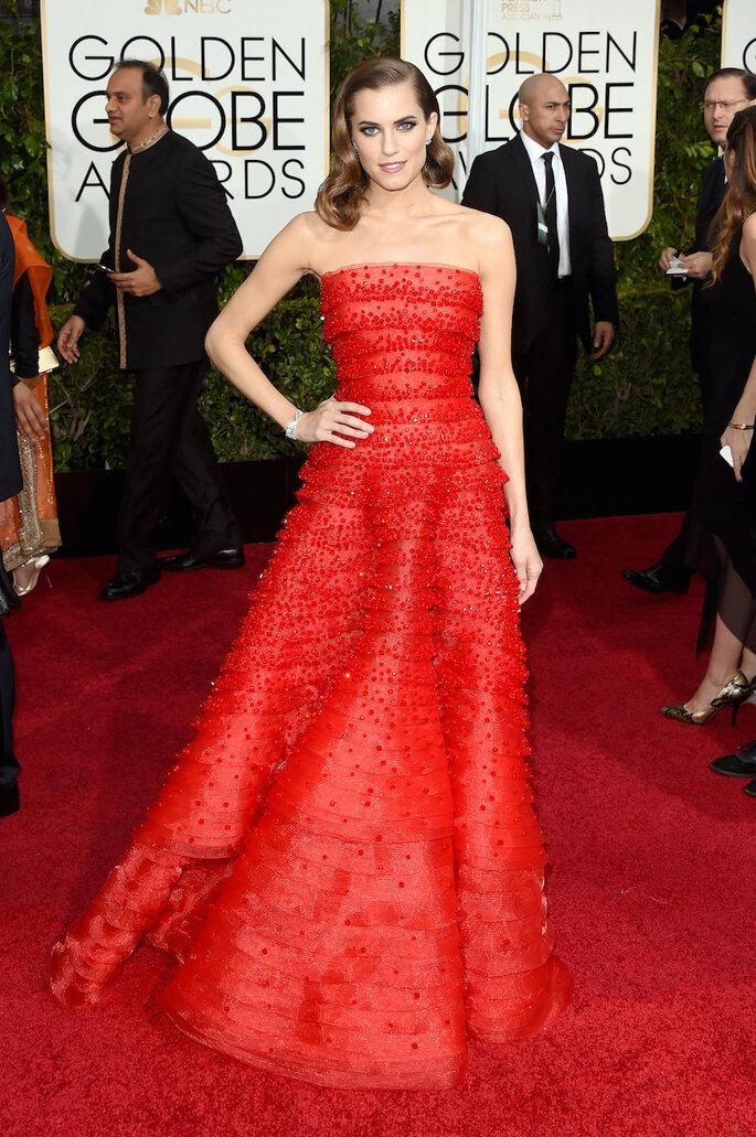Las mejor vestidas de los Golden Globe Awards 2015 - Armani (Allison Williams)