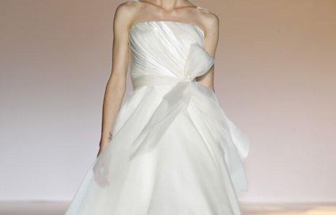 Detalle de vestido de novia Jesús del Pozo 2011
