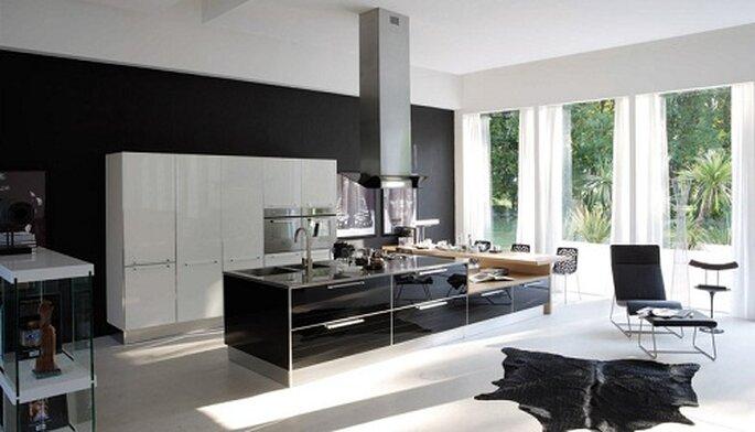 Diamante nero/bianco di VENETA CUCINE per un ambiente ultra moderno. Foto: www.bergamin.it