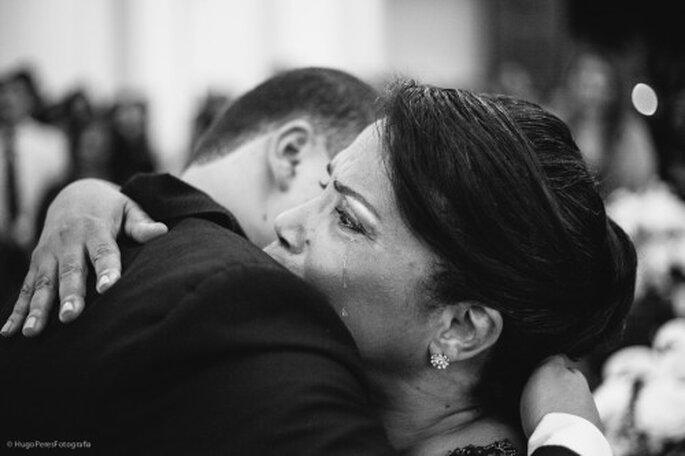 Difícil contener las lágrimas al abrazar al hijo. Foto de Hugo Peres