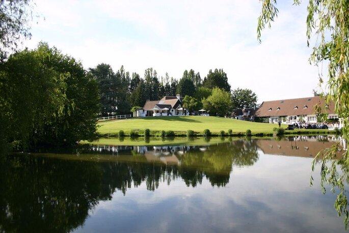 Domaines des Fontenelles - lieu de réception à Paris - le domaine surplombe un grand lac