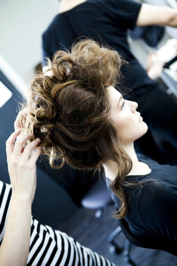 Peinado de novia 2012 con una toque desenfadado - Art Lab