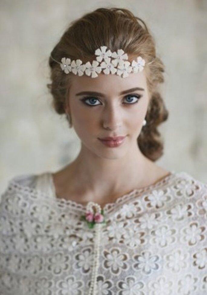 Ein Stirnband in Blütenoptik - Foto: Ruche