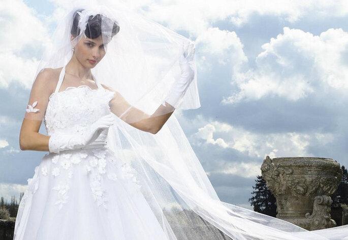 Guantes para novia. Foto: Facebook oficial Morelle Mariage. Elisay Coutourelle