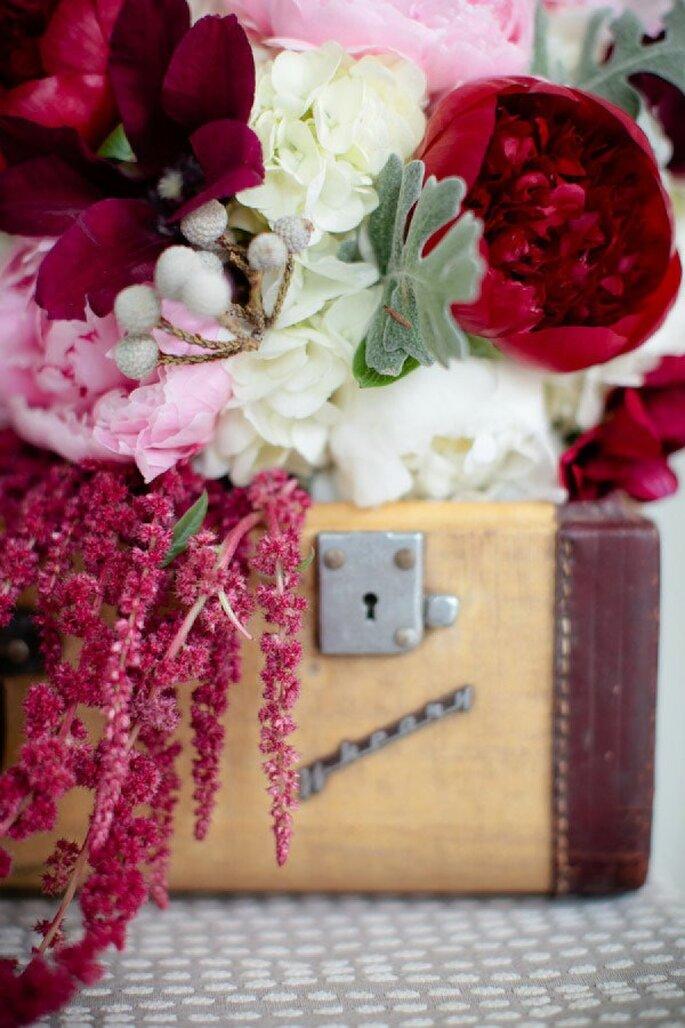 Tintes rojizos y magia en tu boda - Foto Theo Milo Photography