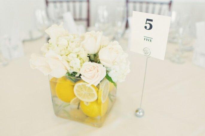 Centros de mesa con cítricos para una boda en verano - Foto Hudson River Photographer