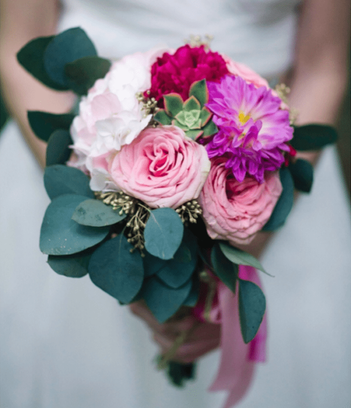 Fleurs de couleurs intenses avec les feuilles pour  2013 - Photo Jody Savage Photography