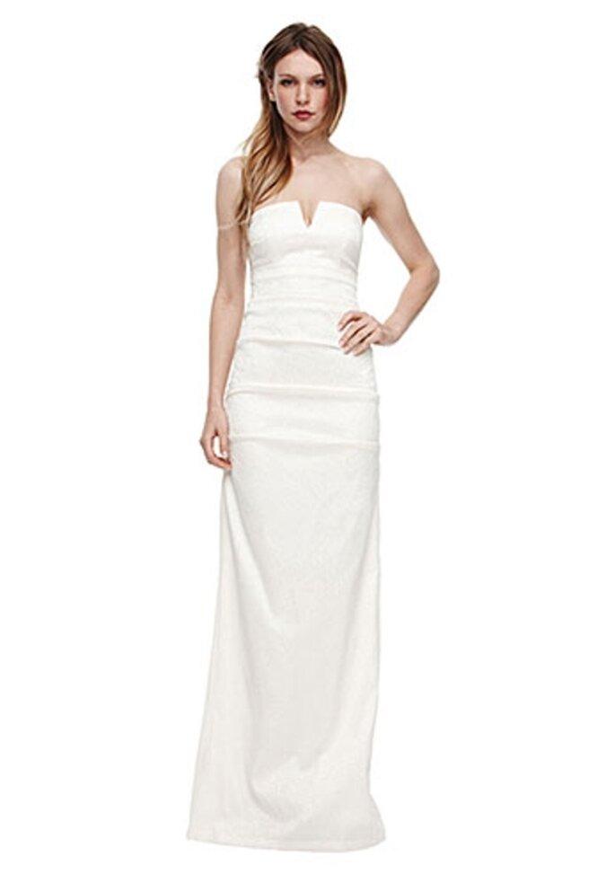 Vestido de novia recto con el escote abierto - Foto Nicole Miller