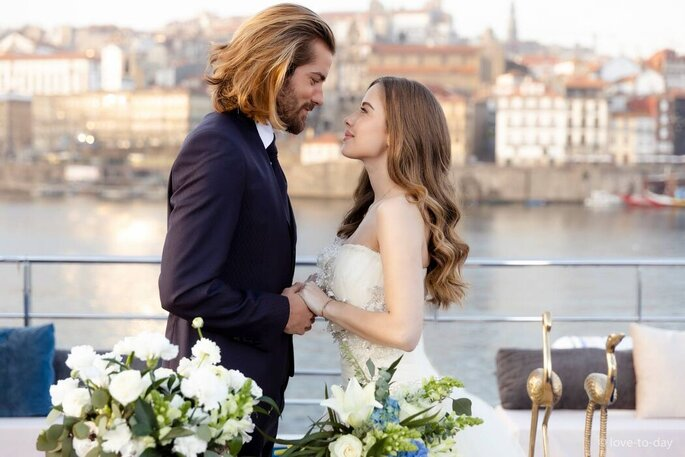 Noivos no Douro Wedding - Casamento no Barco | Lowe Luxury Events