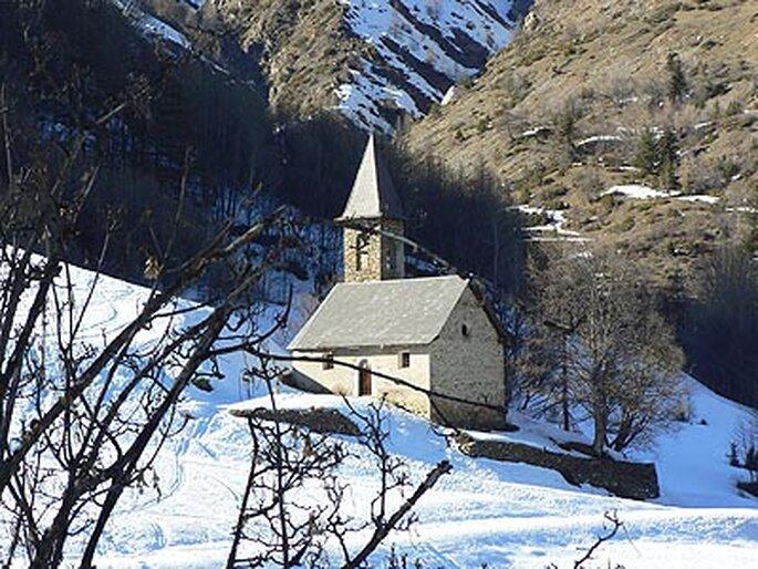 Mariage dans une chapelle au coeur de la montagne...