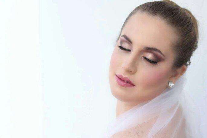 Ivonne Nieri MakeUp Artist maquillaje y peluquería novias Lima