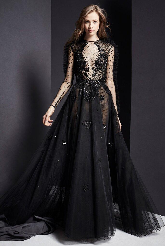 Vestido de fiesta negro con encaje y falda amplia en tul
