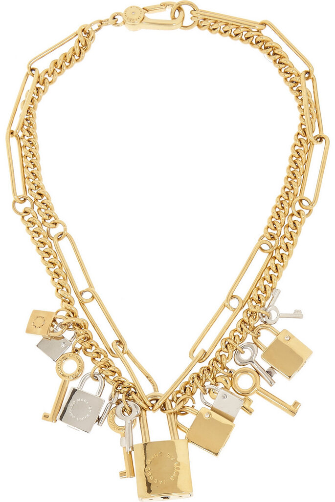 Accesorios en color dorado para invitada fashionista - Marc by Marc Jacobs en Net a Porter