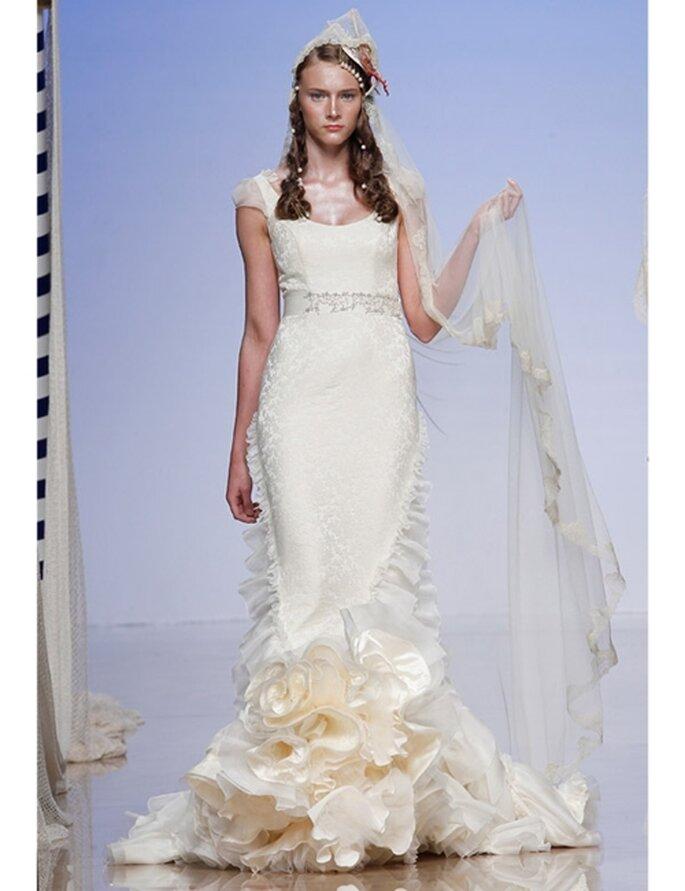 Brautkleid im Meerjungfrauen-Schnitt von Victorio & Lucchino, Kollektion 2012.