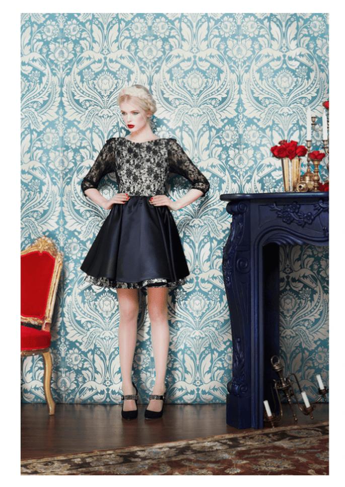 Vestido de fiesta corto en color negro con encaje y estampados de flores - Foto Alice + Olivia