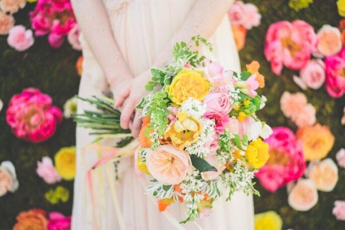Brillo de colores y naturaleza en tu boda - Foto Paper Antler