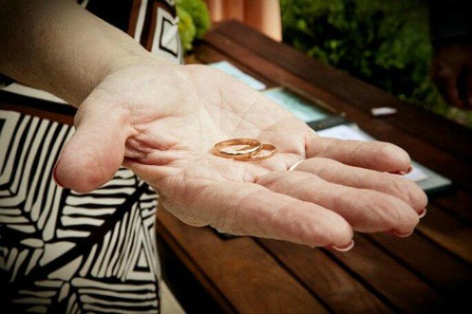 Die Hochzeitsringe als Symbol der engen Verbundenheit über viele Jahrzehnte hinweg. Photo: Carolina Pires