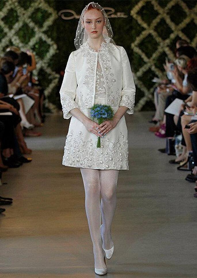 Robe de mariée courte, Oscar de la Renta 2013. Photo: Dan Lecca