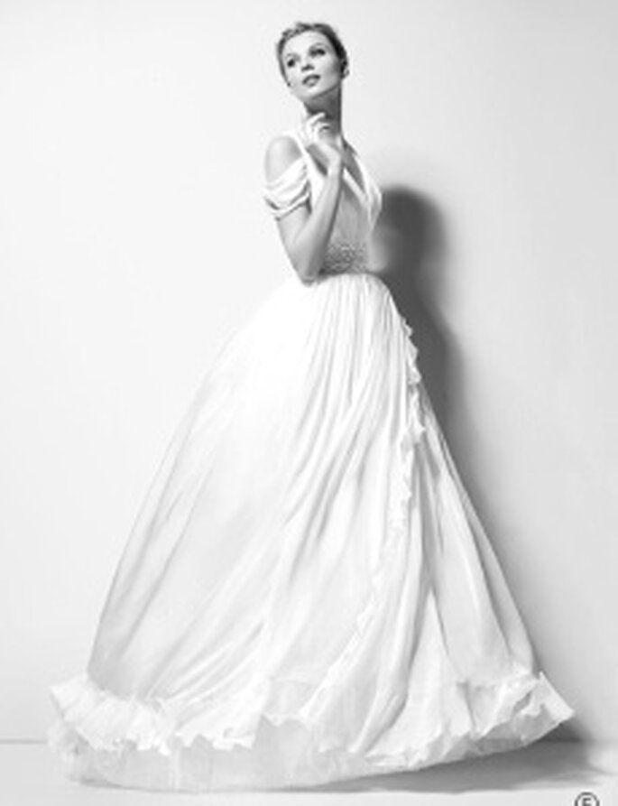 Karl Lagerfeld 2010 - Xanthe, vestito lungo in organza e seta, scolla a V, doppia bretellina