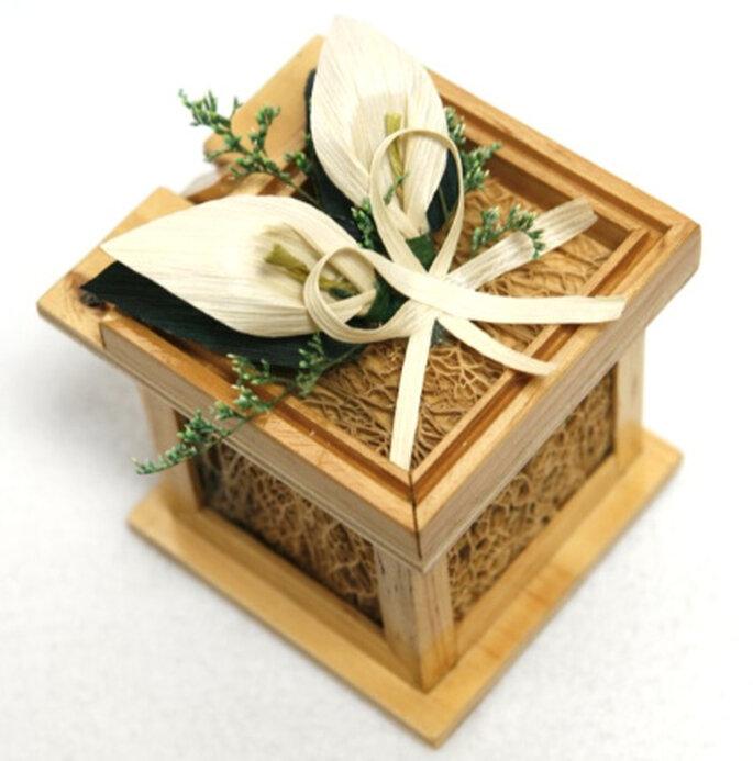 Lindas cajitas para el lanzamiento de las mariposas en bodas, de sistemasecologicos.com