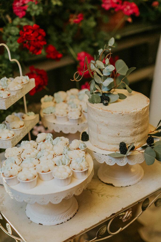 Tiny Wedding im Boho Stil Alte Gärtnerei München Sweet Table