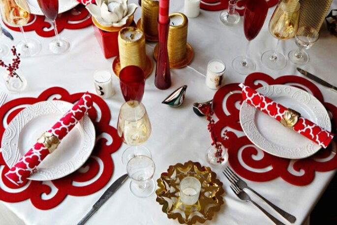 Rojo en contraste con blanco, una combinación sublime para decorar tu boda - Foto Eclatante Event Design