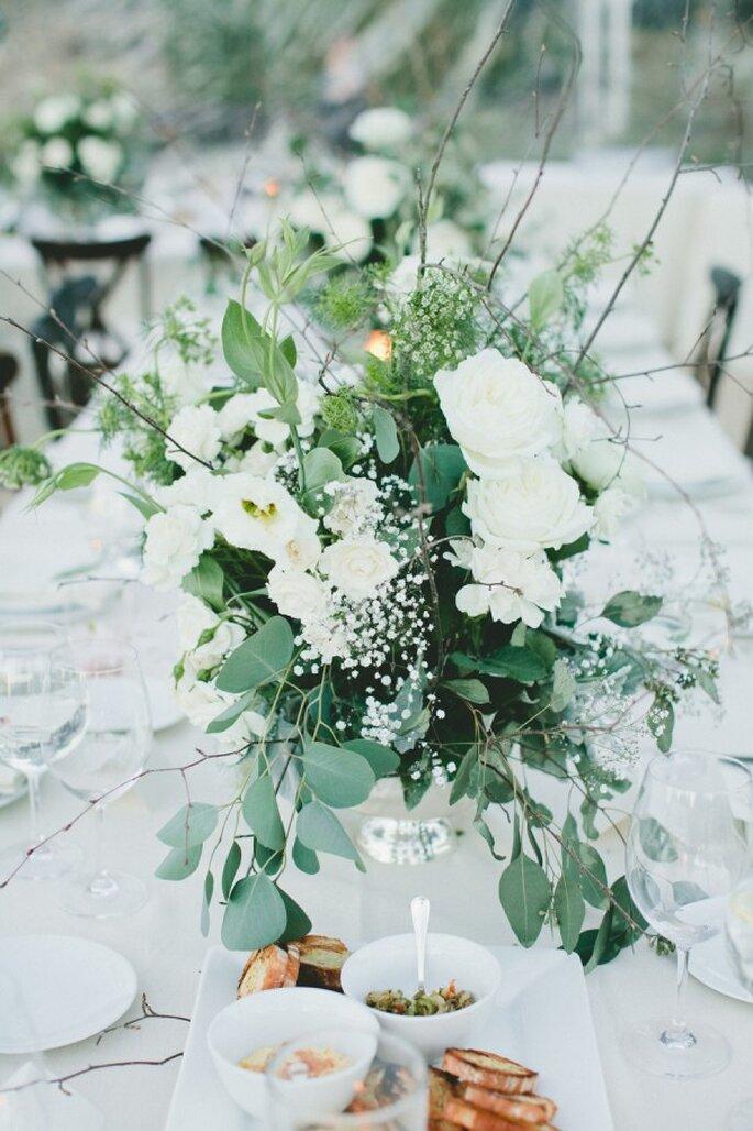La combinación de azules sutiles para decorar la atmósfera de tu boda - Foto Onelove Photography