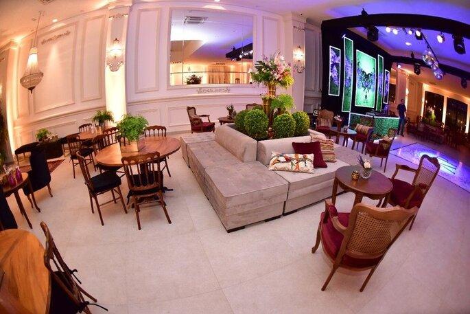 Lounges montados no Buffet Almeida Pires