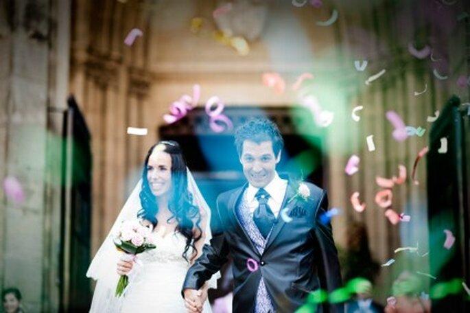 Silvia y Mikel a la salida de la Iglesia- Foto: Víctor Laxe
