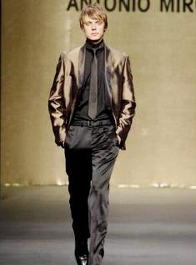 Antonio Miró 2009 - Traje de novio, chaqueta en bronce