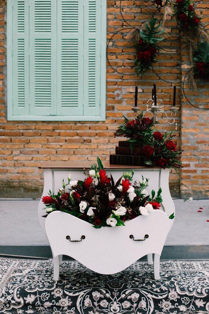 Decoração, flores e paisagismo: Alecrim Assessoria e Decoração de Casamentos - Foto: Amanda Francelino Fotografia