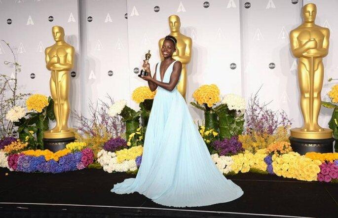 Lupita Nyong'o en la red carpet de los Oscar 2014 - Foto Prada