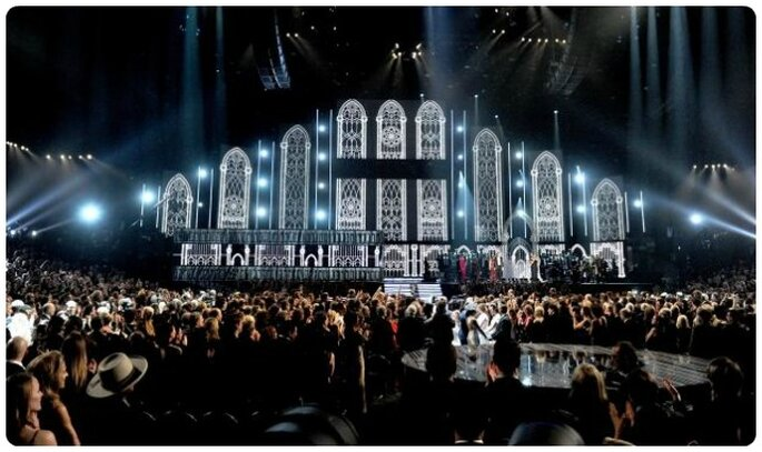 Lo Staples Center durante Same Love ai Grammys