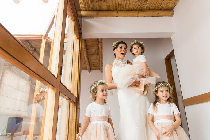 Noiva com suas daminhas - Foto: Lucía Izquierdo