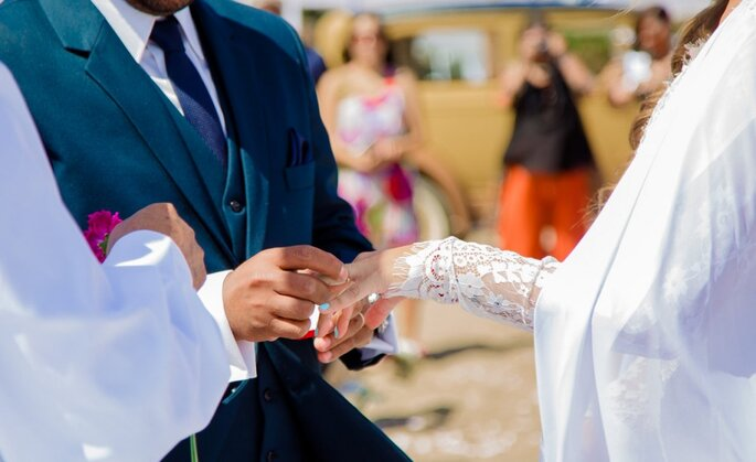 Troca de alianças dos noivos