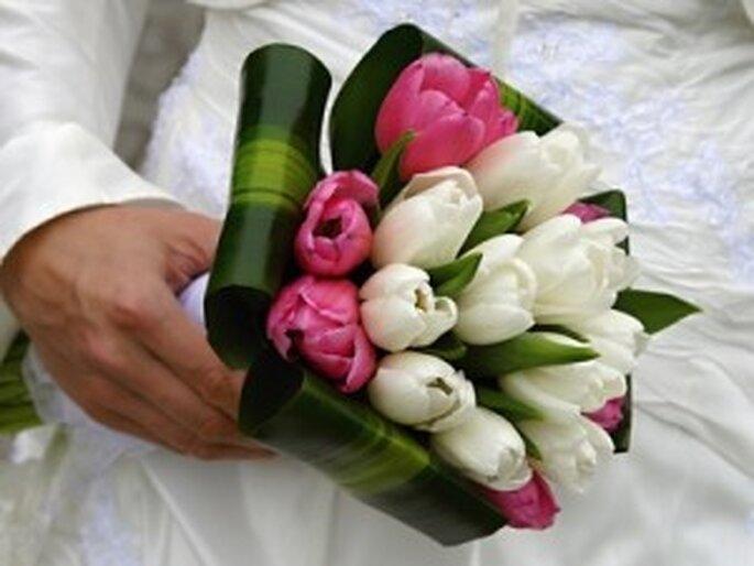 Ramo de novia en color rosa y blanco
