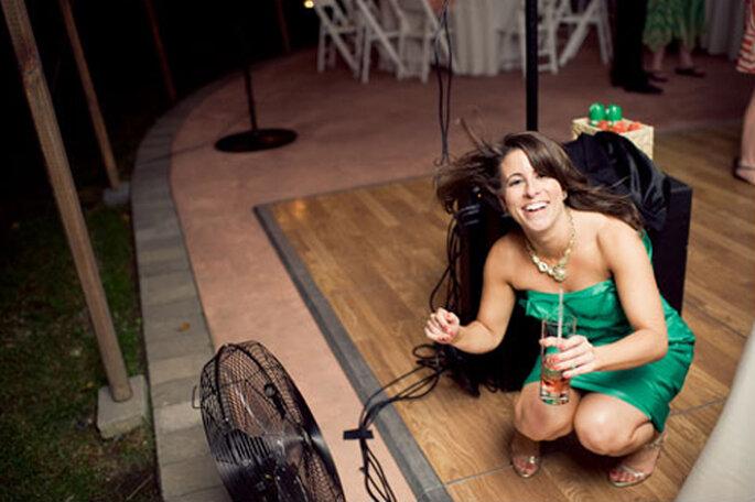 Invitada a una boda con un vestido corto - Foto: Alexandra Roberts
