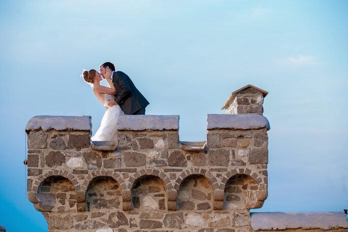 Castello di Limatola - sposi bacio castello