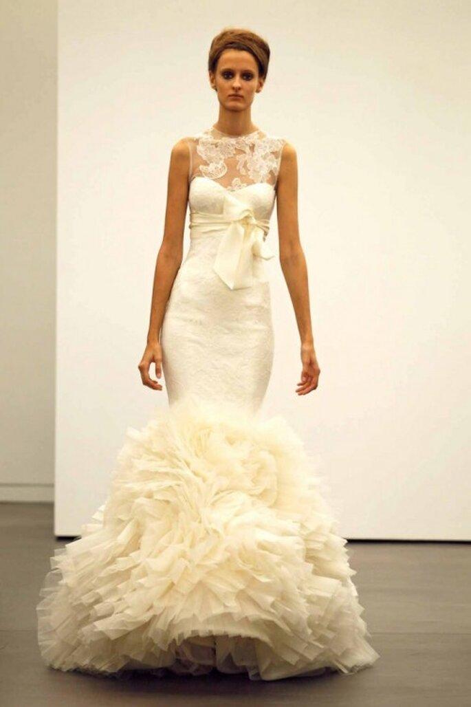 Vestido de novia otoño 2013 corte sirena con encaje en el escote - Foto Vera Wang