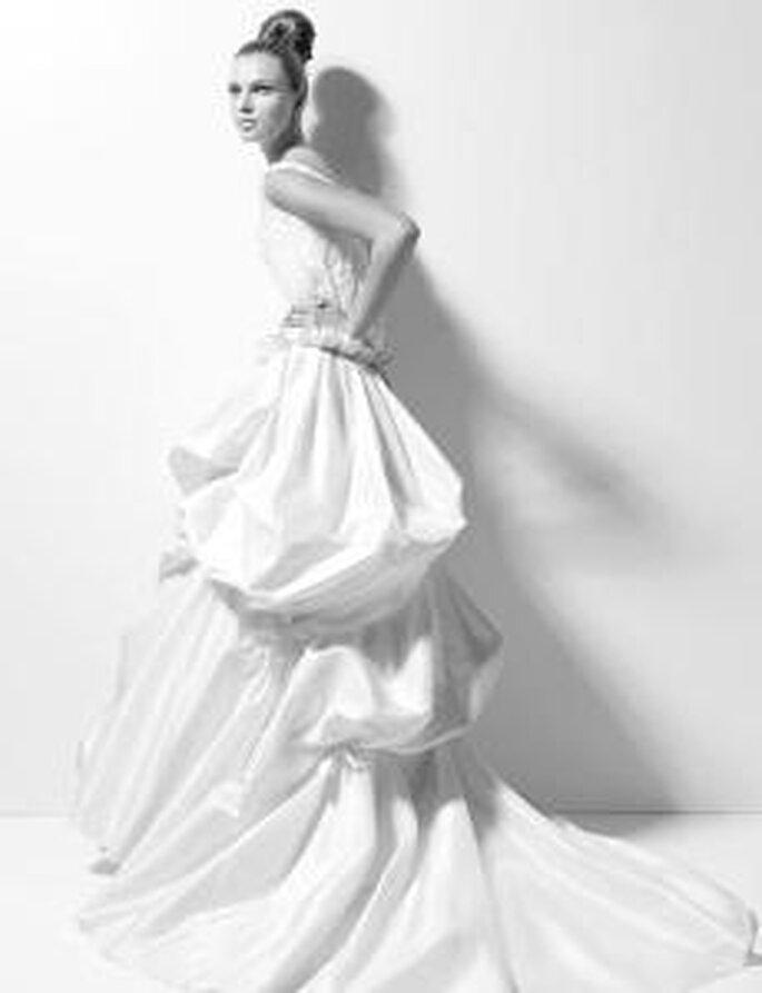 vestidos de novia christian lacroix y rosa clará 2010