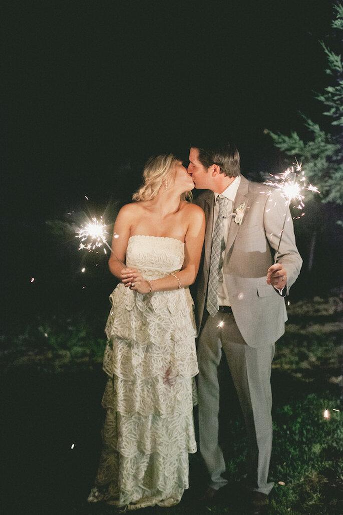 Luces de bengala en tu boda - Onelove Photography