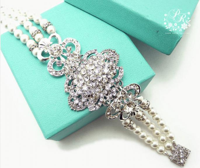 Pide prestados accesorios o velos para complementar tu look de novia - Foto Etsy