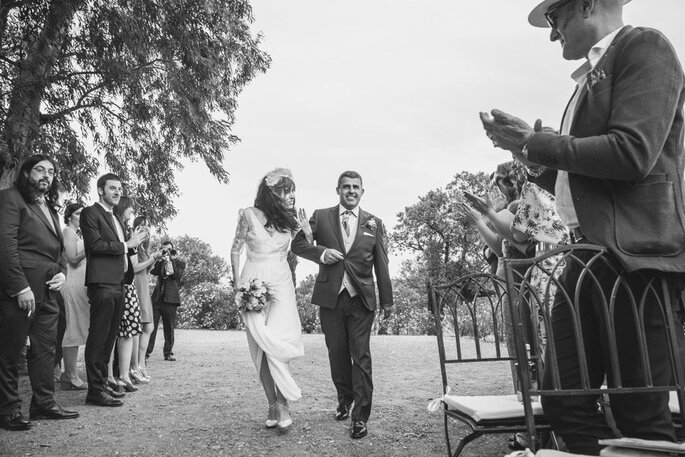 Novia llegando a la ceremonia del brazo de su padre