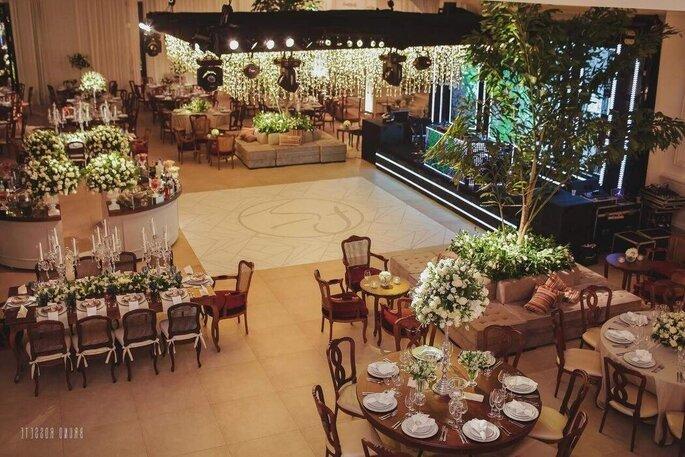 Salão interior do Buffet Almeida Pires